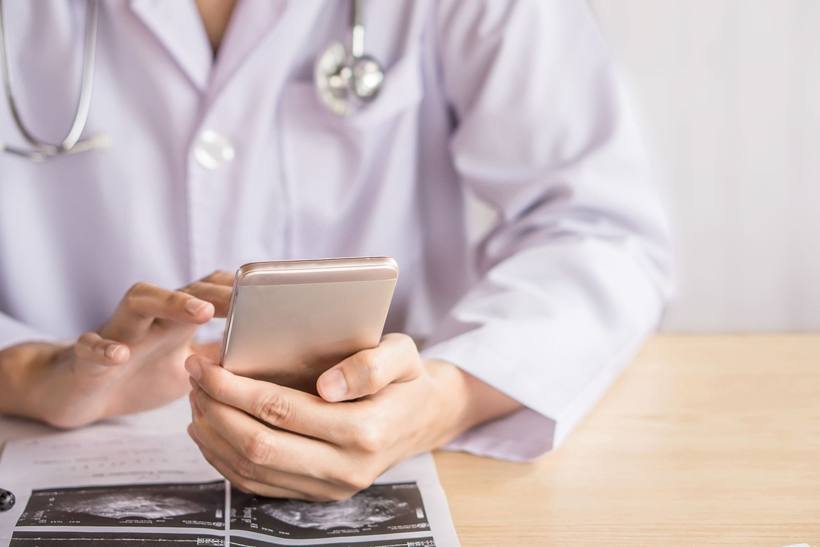 What are the best HIPAA compliant telehealth apps for virtual doctor visits?