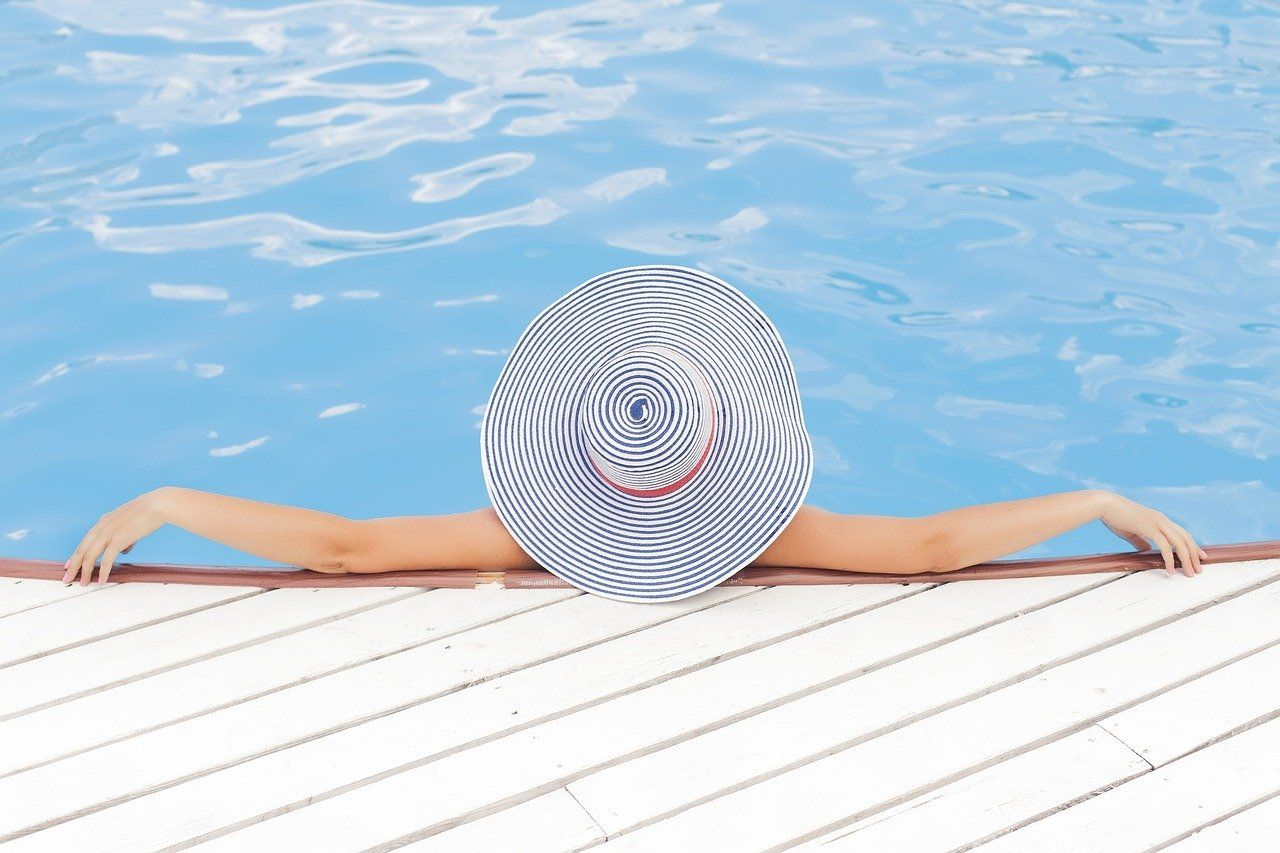 Using the best business ideas for passive income leaves more time for relaxation.